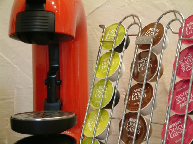 Coffee pods and coffee maker at Gors-lwyd