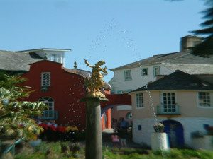 An image of the fountain at Portmeirion Village North Wales