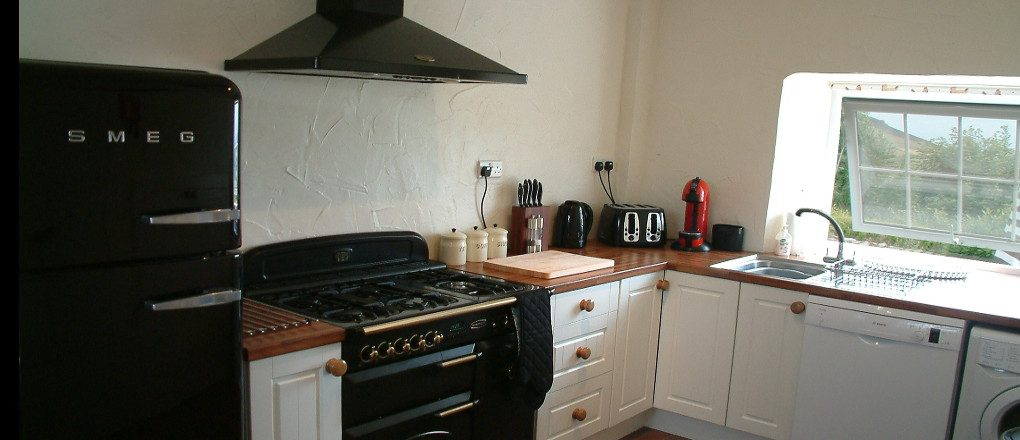Kitchen at Gors-lwyd Cottage with Rangemaster oven
